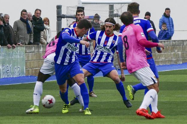 Juanlu Cisneros y Gorka Laborda son dos de los jugadores que renuevan
